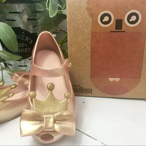Girl's Mini Melissa Pink Shoes with Crown Size 9.